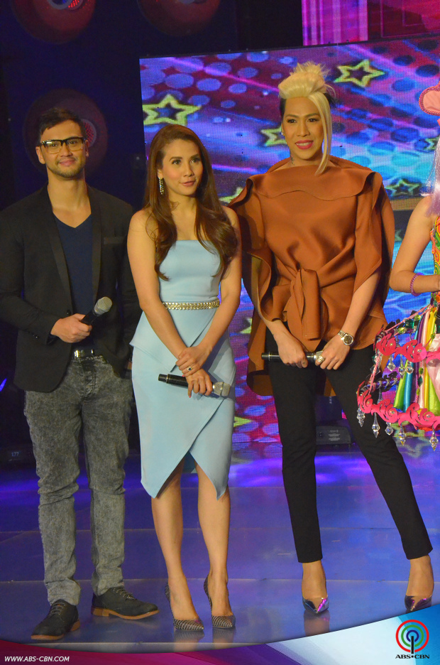 LOOK: It's Showtime hosts in fashionable outfits at the Semi-finals of It's Showtime Kalokalike Face 3